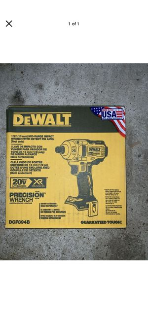 "DEWALT DCF894B 1/2"" M Cordless Impact Wrench. for Sale in Tacoma, WA"