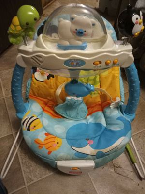 Infant carseat and bouncy for Sale in Mount Holly, NC