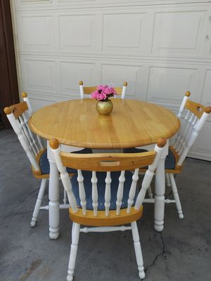 Table with extension and 4 chairs for Sale in Bakersfield, CA