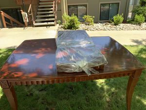 FREE Dining Room Table In Great Shape! for Sale in Walnut Creek, CA