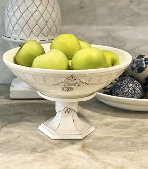 """Farmhouse French Country Centerpiece Pedestal Bowl Made In Portugal 8 1/4"""" H for Sale in Miami, FL"""