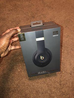 Beats studio 3 $50 OFF for Sale in Long Beach, CA