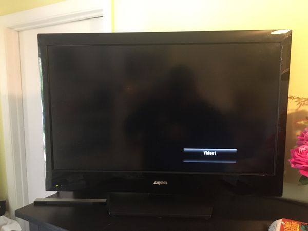 32 inches Sanyo Plasma Tv combine with DVD player and remote control