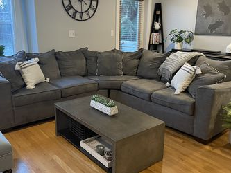 Sectional Couch for Sale in Seattle,  WA