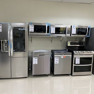 Appliances Refrigerator Stove Dishwasher Microwave for Sale in Fort Lauderdale, FL