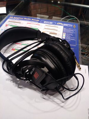 MFJ. Dynamic headphones for Sale in Saint Charles, MO