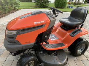 Riding lawn mower tractor for Sale in Altamonte Springs, FL