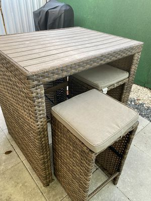 All weather outdoor dining table set for Sale in Miami, FL