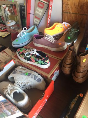 Shoes 7.5 women's 6 kids for Sale in Galloway, OH