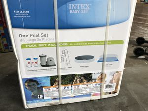 Intex Swimming Pool 18 Ft for Sale in Meadows Place, TX