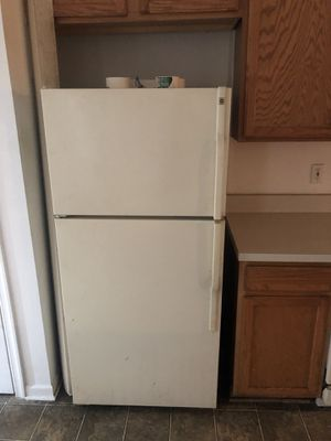 Refrigerator- working great for Sale in Chantilly, VA