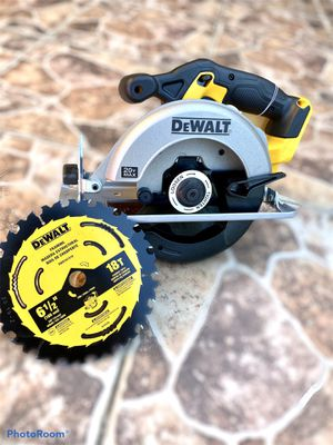 20-Volt MAX Lithium-Ion Cordless 6-1/2 in. Circular Saw (Tool-Only) for Sale in Azusa, CA