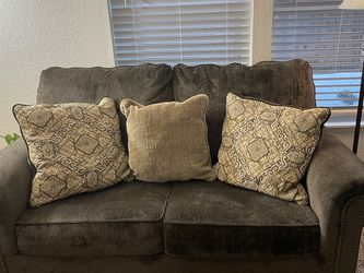 Couches (Sofa and Loveseat) for Sale in Boring,  OR