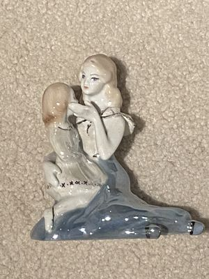 Beautifully Hand-Crafted Mother and Daughter/Child Stipo Dorohoi Figurine Collectible for Sale in Anaheim, CA