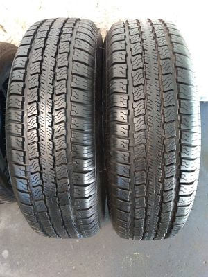 215 75 14 trailer tires like new tread $120 for both with free mount balance and installation included for Sale in Tacoma, WA