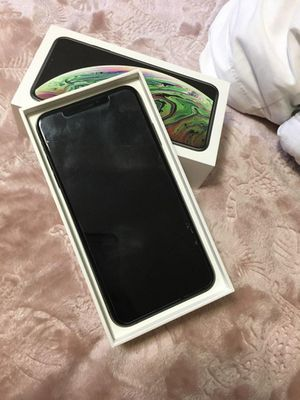 iPhone Xs Max 64GB Unlocked for Sale in Greenville, SC