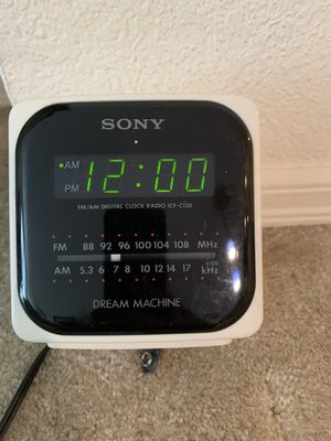 Selling alarm clock, white and black for Sale in Bellevue, WA