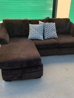 Brown Sectional Couch for Sale in San Diego,  CA