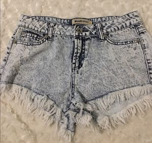 Bluespice jean shorts size 3 ( L) @ for Sale in Puyallup, WA
