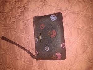 Authentic Coach wallet wristlet for Sale in Franklin Park, IL