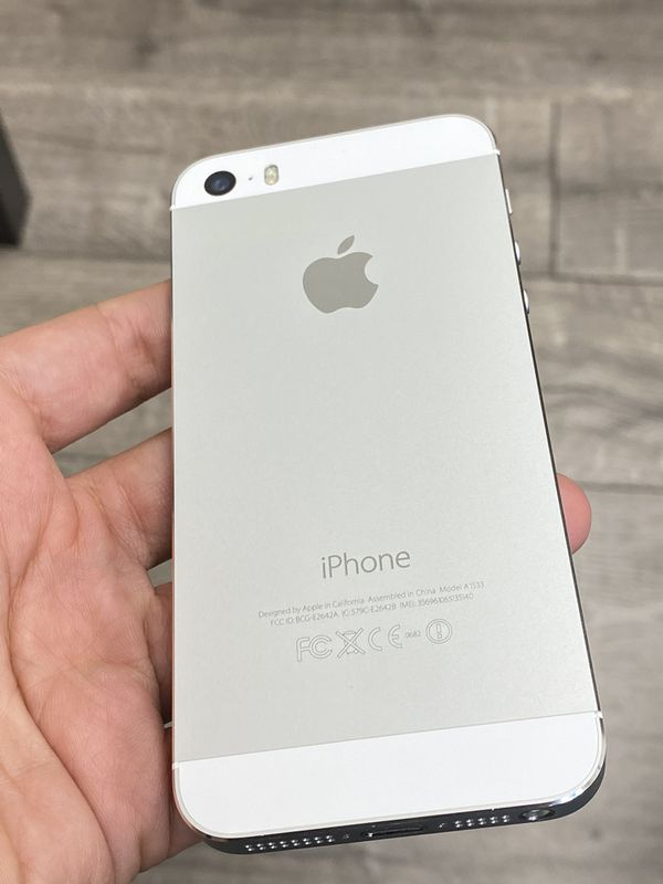 iPhone 5 S - 16Gb __ Factory Unlocked