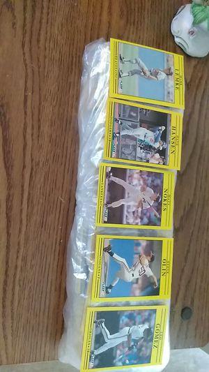 Package of 500 Fleer baseball cards for Sale in Shelton, CT