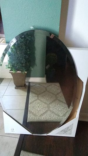 Nice Oval mirror for Sale in Clermont, FL
