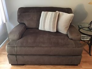 Ashley Furniture Oversized Chair for Sale in Bettendorf, IA