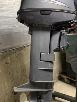 2006 or 2007 Yamaha 2 stroke 25hp 25 hp Outboard Engine 6L2K, not sure year. for Sale in Revere,  MA