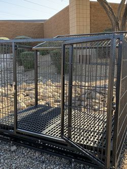 Excellent 37 inch HD dog kennel crate w/ COMFY PLASTIC FLOOR , tray, casters & feeding bowl 🍲 🐶 see dimensions in second picture 🐶 soft on paws 🐾 for Sale in Chandler,  AZ