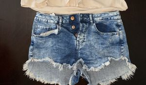 Forever 21 denim shorts 28 for Sale in Torrance, CA