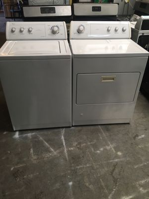 Set washer and dryer brand whirlpool gas dryer everything is good working condition 90 days warranty delivery and installation for Sale in San Leandro, CA