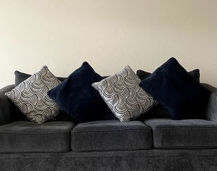 Comfortable, stylish, fabric sofa - 3 seater couch for Sale in Sunnyvale,  CA