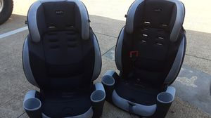 2 evenflo car seats for Sale in Houston, TX