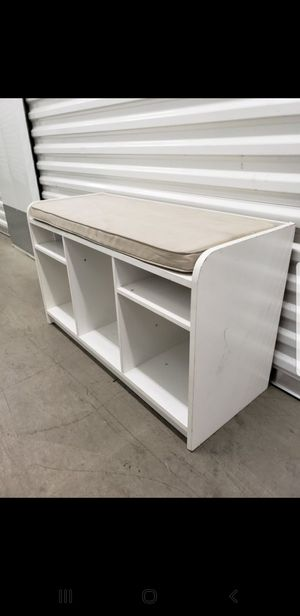 Stoage bench with Cushion for Sale in Downey, CA