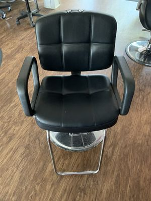 Salon chair for Sale in Staples, MN