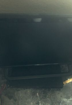 Element 22 inch TV with remote for Sale in Wichita,  KS