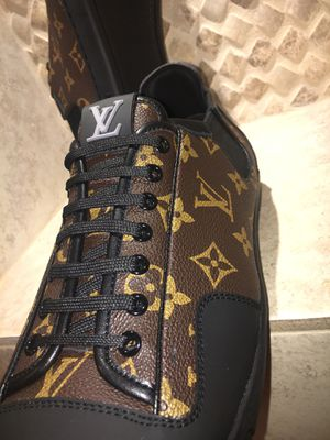 LOUIS VUITTON MENS SNEAKERS SIZE 44 for Sale in Houston, TX