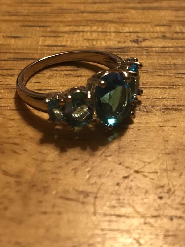BRAND NEW LADIES RING WITH BLUE CRYSTALS SIZE 8