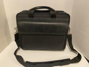 Targus Messenger Laptop TLNP1A Top-Loading Air Notepac Plus Case - Black for Sale in Lafayette, LA