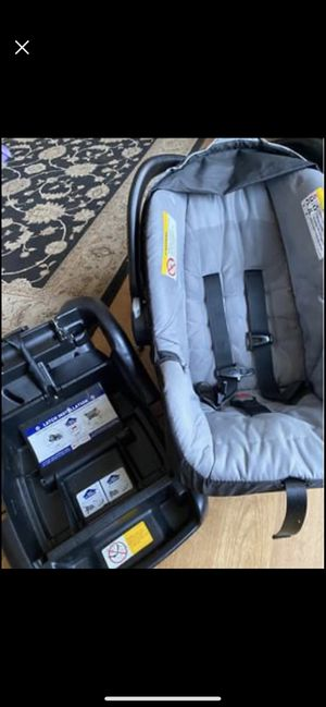 Baby trend, Infant car seat for Sale in Benton City, WA