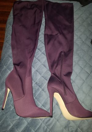 Purple over the knee boots size 9.5 for Sale in Yonkers, NY