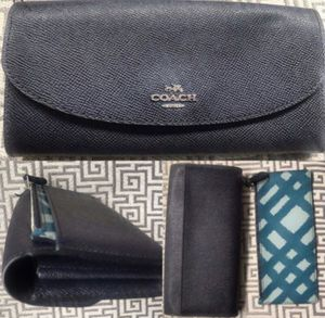 New COACH Leather Wallet & Removable Change Purse • Designer for Sale in Falls Church, VA