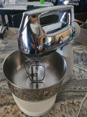 West bend stand mixer for Sale in Stockton, CA