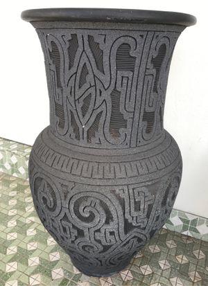 Diamond sparkle black vase beautiful for Sale in North Miami Beach, FL
