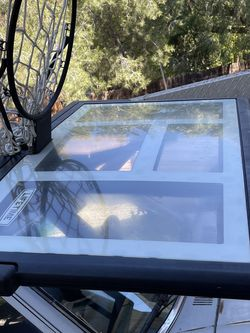 Semi New Basketball Stand And Hoop for Sale in Los Angeles,  CA