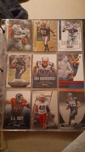 9 BIG NAME Basketball/Football cards!! for Sale in Livonia, MI