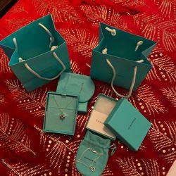 Tiffany Pendant & Bracelet for Sale in Palm Desert,  CA