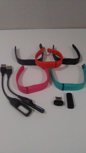 Fitbit Flex with 5 bands, charger, dongle for Sale in Queen Creek, AZ