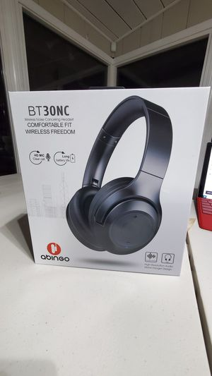 Wireless bluetooth noise cancelling headphones (NEW) for Sale in West Covina, CA